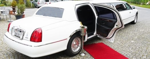 Roter Teppich Limousine