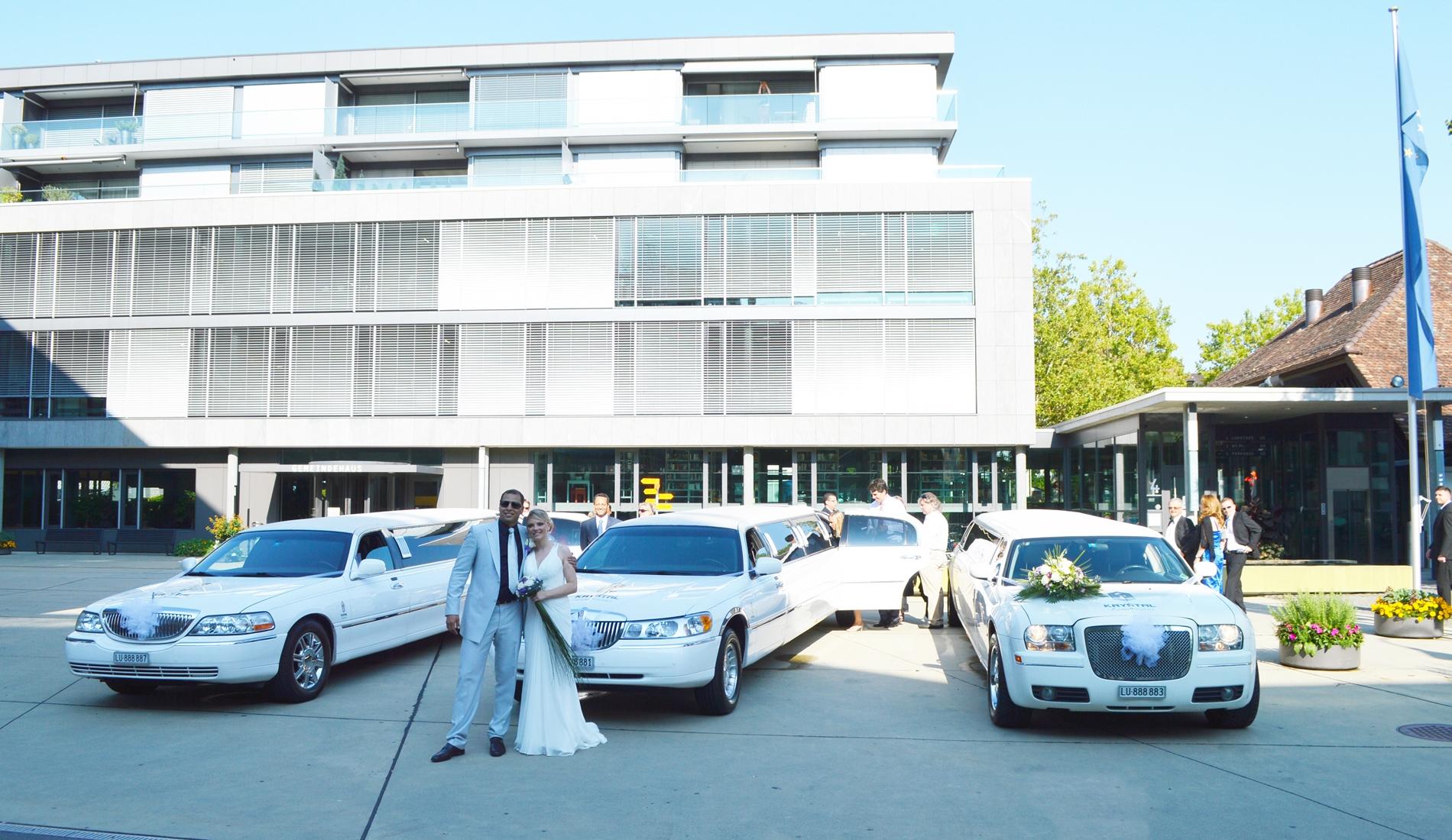 Hochzeitsgesellschaft transportieren