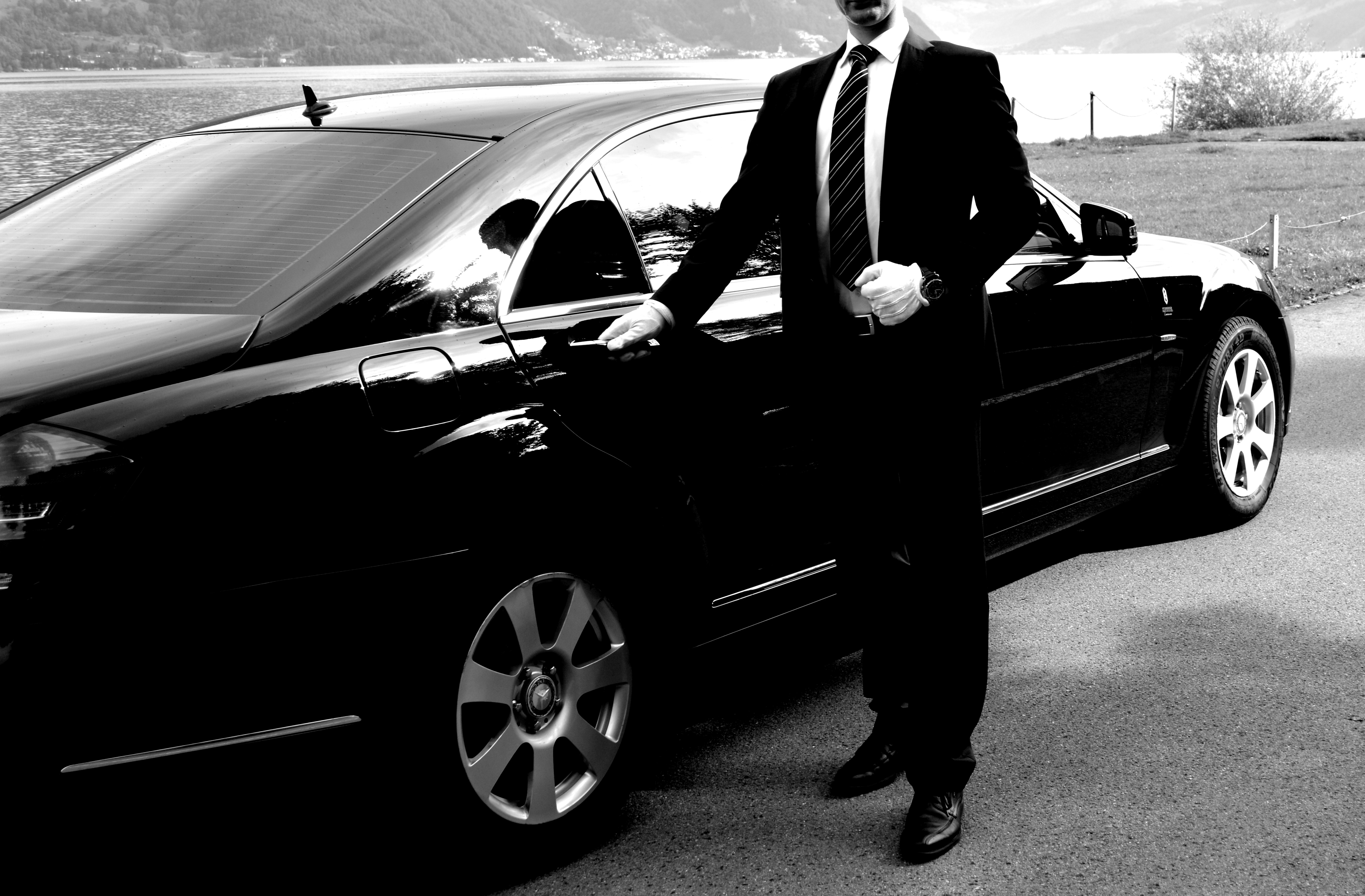 Mercedes Mit Chauffeur on chrysler 300 limo