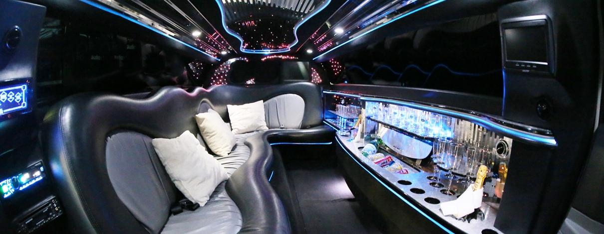 Chrysler 300 Limousine Slider 03