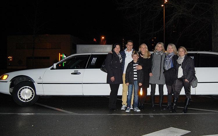 Limousine mit hubschrauberlandeplatz  Gestreckte Limousine - Stretch Limo gestreckt mieten