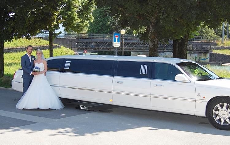 hochzeitsauto limousine hochzeit. Black Bedroom Furniture Sets. Home Design Ideas