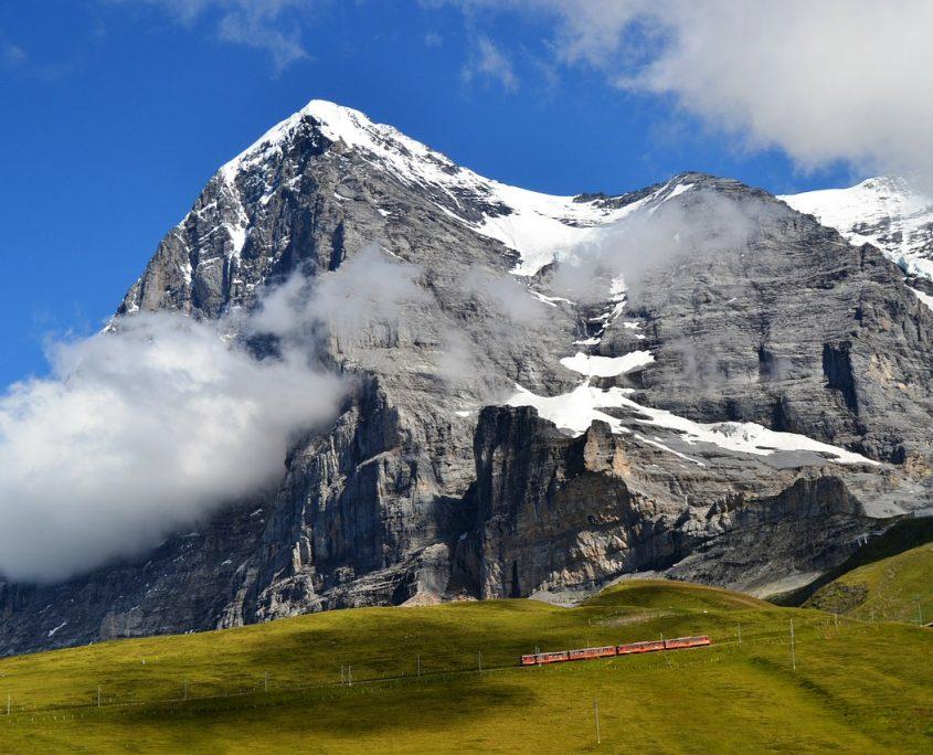 Schweiz Zug Berg mit Schnee