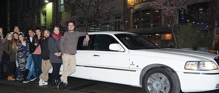 limousine-in-winti-fuer-freunde-zum-geniessen