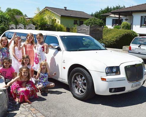 Zoes Geburtstags Chrysler 300 Stretch Fahrt