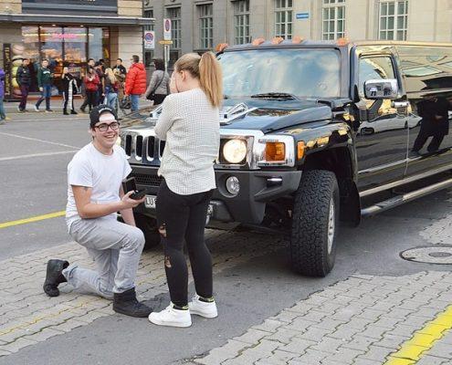 Hochzeitsantrag mit Hummerlimo in LU