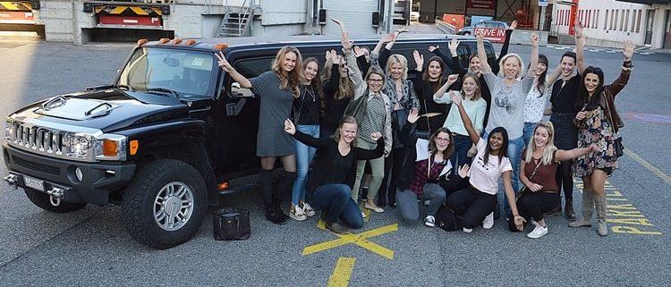 Teamanlass mit Hummer Limo in Luzern