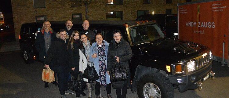 Fantastiche Hummer Limo Fahrt in Zürich