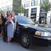Claires Geburtstag Limousine mit Freunden