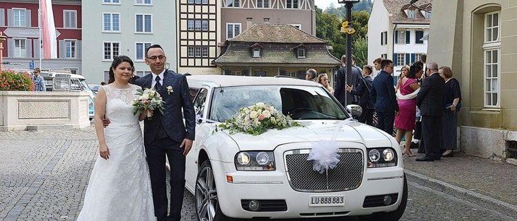 Sonia und Simones Hochzeitslimo nach Luzern