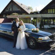 Georg und Larissas Hochzeitslimousine