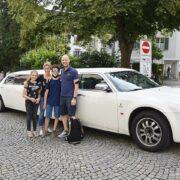 Yasis toller Tag mit der Geburtstag Limousine