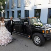 Sarah und Patricks Hummer Hochzeitlimo